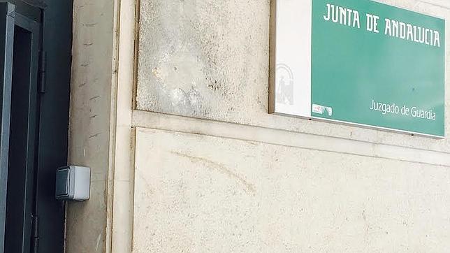La junta sustituye el vigilante de seguridad de los for Juzgados viapol sevilla