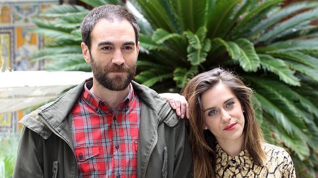 Los actores Jon Plazaola y María León