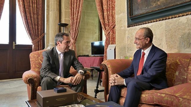 Juan Espadas y Francisco de la Torre, reunidos en el Ayuntamiento de Sevilla