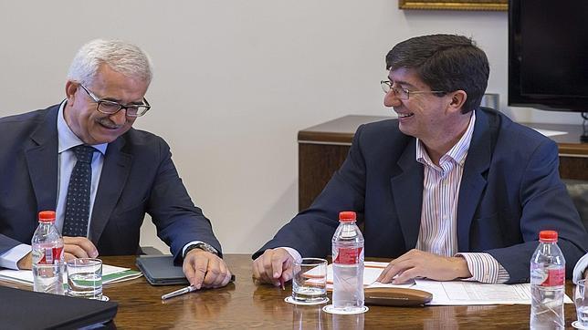 PSOE y Ciudadanos evaluarán su acuerdo en la Junta cada dos meses