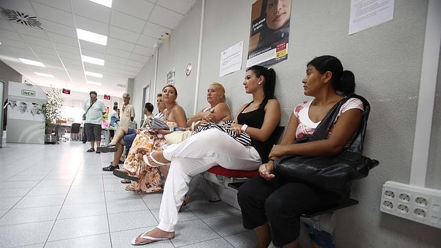 La capital registra su mejor cifra de desempleo desde for Oficina de correos cordoba