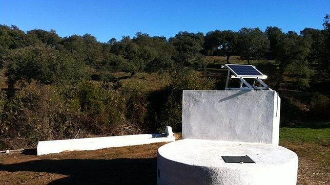 Instalación de Bombeo Solar Fotovoltaico para abrevadero de la dehesa La Adelfa