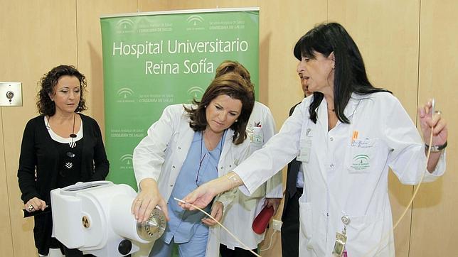Los andaluces, de tercera en acceso al tratamiento oncológico, según el PP