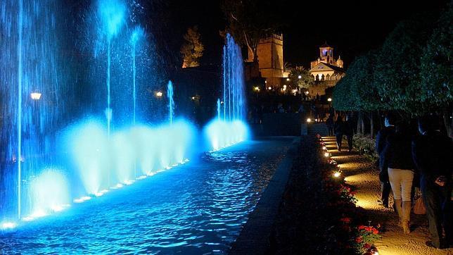 El ayuntamiento municipaliza el espect culo nocturno del alc zar - Visita mezquita cordoba nocturna ...