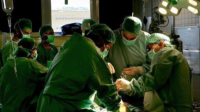 Los recortes del SAS dejan una cifra récord de pacientes en espera para operarse