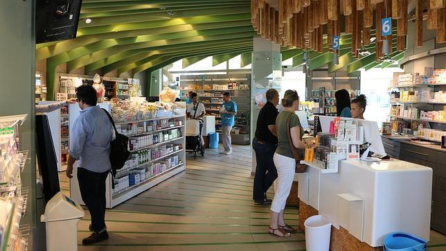 El interior de la farmacia saludable de Mairena del Aljarafe
