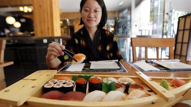 Bandeja degustación de sushi en el Tokyo Córdoba