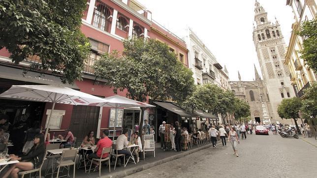 Sevilla La Ciudad De Los Veladores