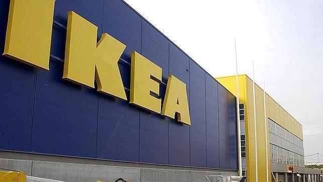 La mesa y la comida toman la puerta de ikea sevilla - Ikea sevilla catalogo ...