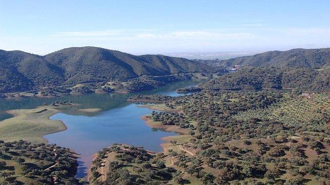 La Sierra Norte de Sevilla ofrece al visitante unos paisajes maravillosos. Fuente: andalucia-org