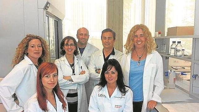 Miembros del equipo de la Universidad de Granada que desarrolló el Bozepinib