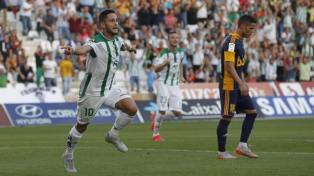 Florin celebra el gol anotado frente a la Ponferradina