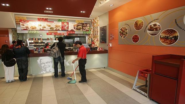 Urbanismo contra el fast food for Sillas para local de comidas rapidas