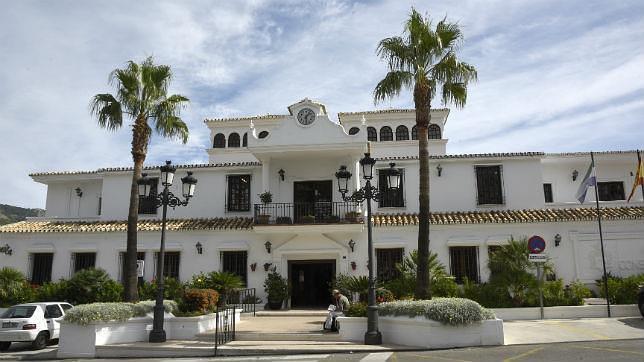 Fachada del Ayuntamiento de Mijas
