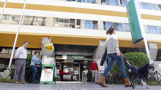 Las irregularidades en las nóminas afectan a 3.000 empleados de la Junta en Córdoba