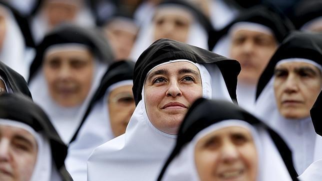Un grupo de monjas durante la canonización de María de la Purísima de la Cruz