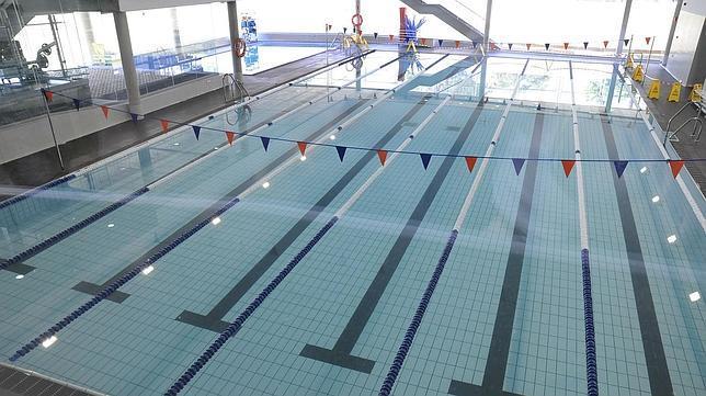La uca ampl a sus instalaciones con una piscina cubierta y for Piscinas financiadas