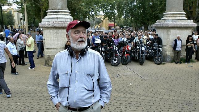 Gonzalo García Pelayo durante el rodaje en la Alameda
