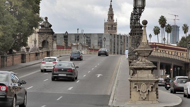 Comienzan obras en uno de los torreones del puente de San Bernardo