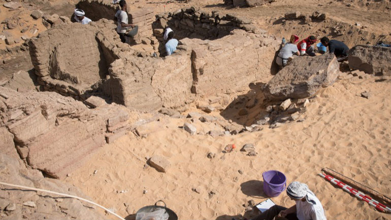 Investigadores excavan en la cúpula del viento