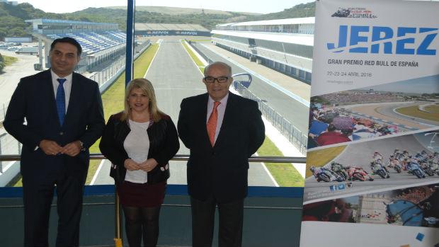 Francisco Javier Fernández, Mamen Sánchez y Carmelo Ezpeleta, hoy en el circuito