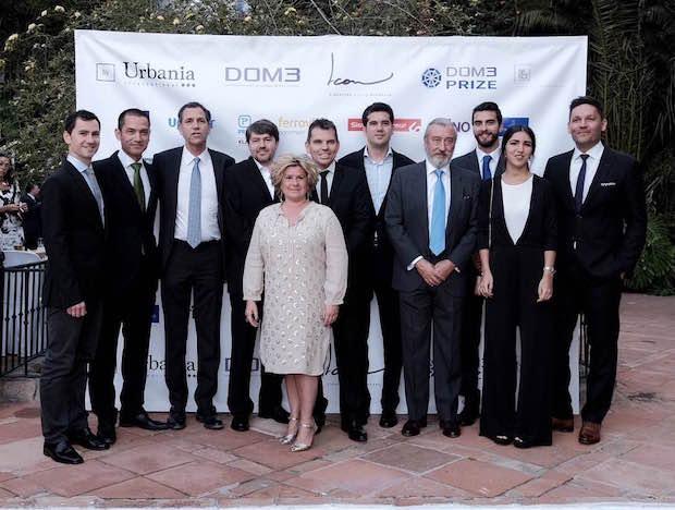 Representantes de DOM3 y premiados con el secretario de estado de Infraestructuras, Transportes y Vivienda, Julio Gómez Pomar