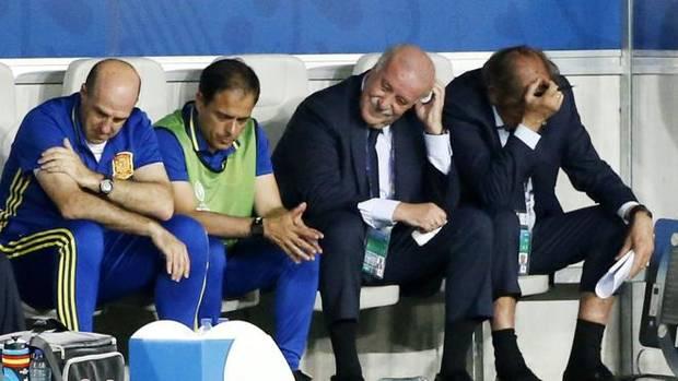 Del Bosque, cabizbajo tras el segundo gol de Croacia.