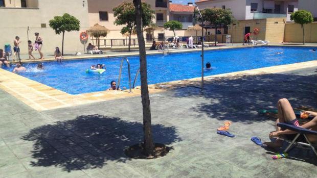 piscina gratis para los alumnos que aprueban en junio