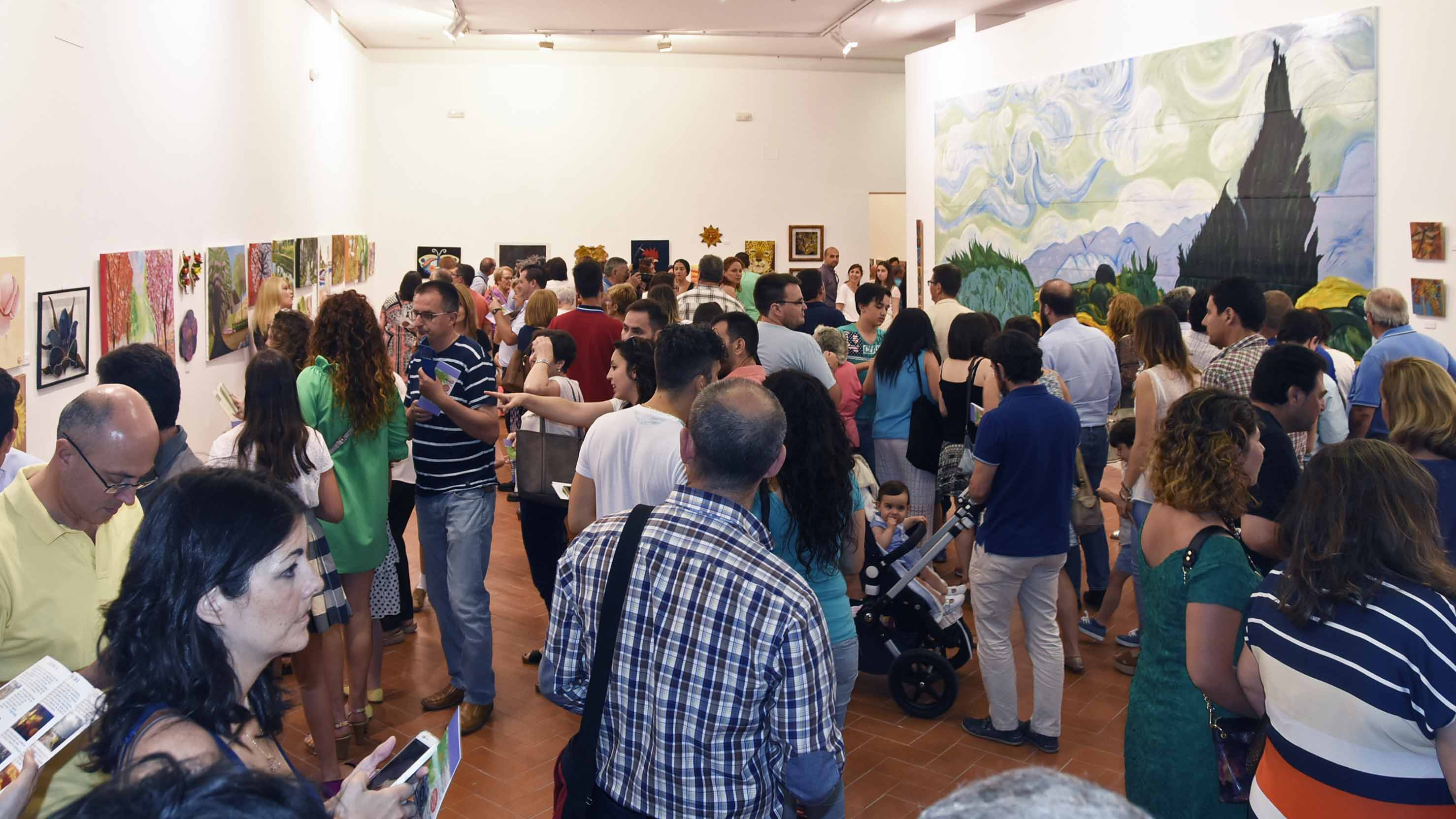 Al finalizar el curso, los alumnos protagonizan una exposición/ J.M. Brazo Mena