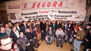 La Mesa del Ferrocarril exige trenes adaptados e inversiones para la provincia de Almería
