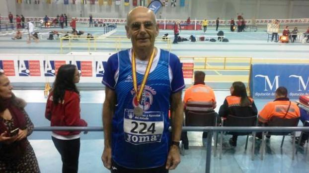 Diego Eslava comenzó a hacer deporte tras jubilarse y no para de sumar triunfos