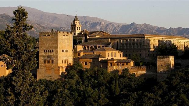 La ciudad de la Alhambra es, según Sitios de España, la más bonita del país