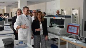 Díaz «inaugura» el hospital de Ronda que abrió en enero con deficiencias