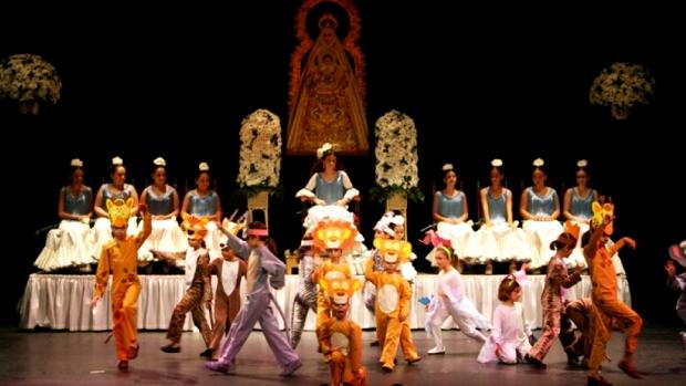 En las actuaciones participan 200 niños en 18 números musicales/ABC