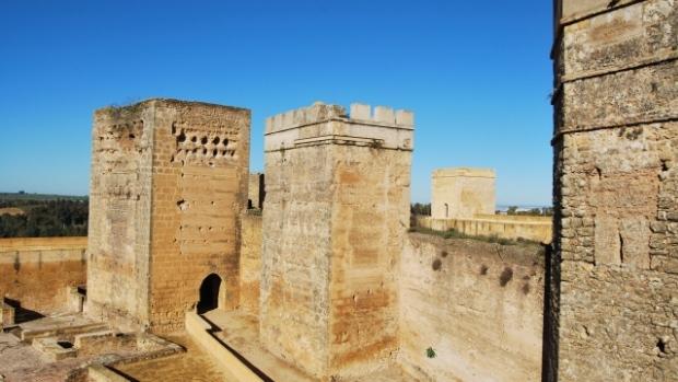 El Castillo de Alcalá es una de las fortalezas más grandes de Andalucía