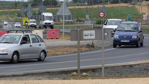 Más de 16.000 vehículos al día circulan por la actual carretera con carril por sentido y sin arcenes/A.M.
