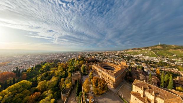 Una de las vistas espectaculares de la Alhambra y Granada tomadas desde el aire.