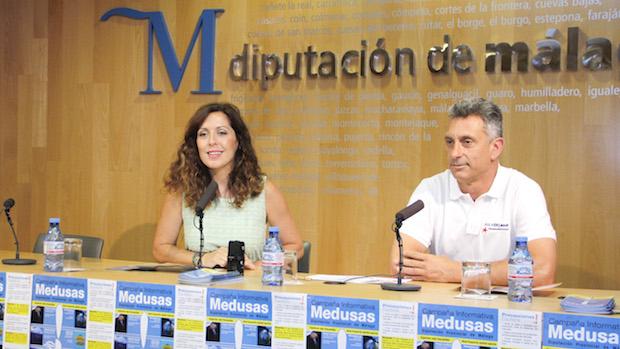 Marina Bravo, diputada de Medio Ambiente, y Juan Antonio López, director del Aula del Mar