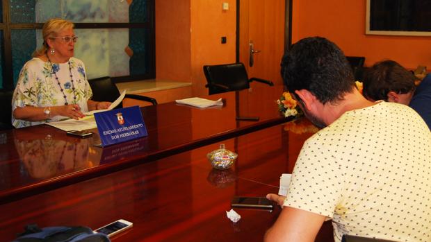 La delegada de Educación en rueda de prensa