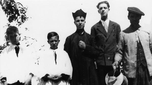 Miguel Díaz, uno de los mártires, en el centro de la imagen