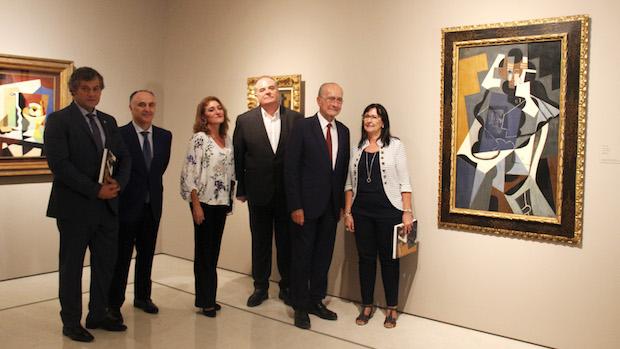 Autoridades visitan la exposición en el Museo Thyssen de Málaga
