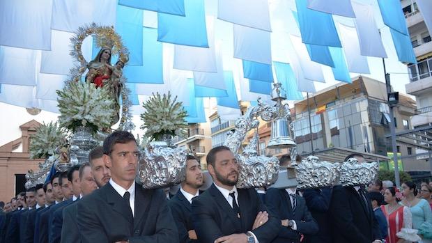 La Virgen del Rosario por las calles de Fuengirola