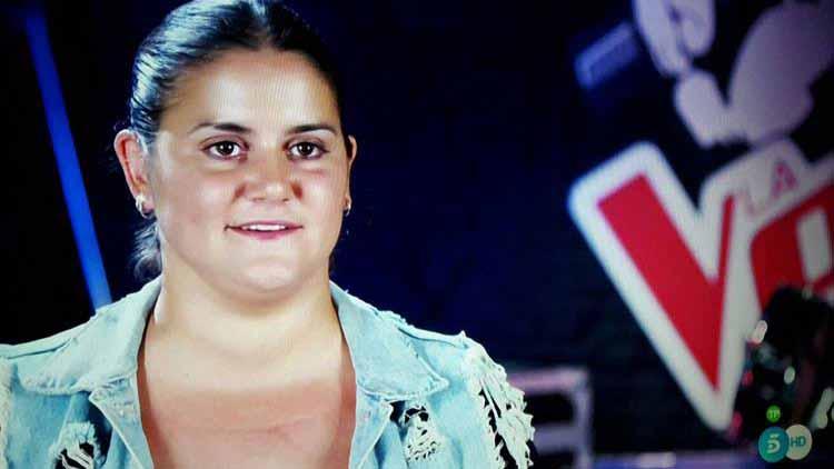 La utrerana María Moriel ya ha entrado en el programa «La Voz»