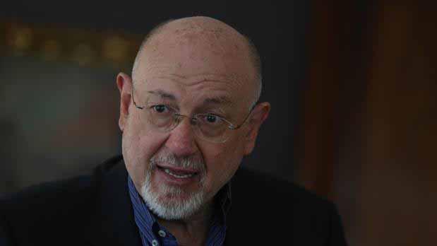 Juan Eslava Galán pronuncia una conferencia en Utrera