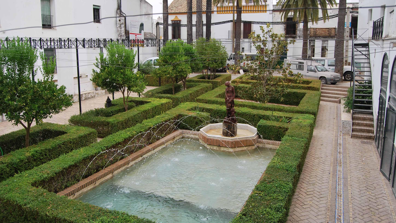 El jardín romántico del Ayuntamiento de Utrera