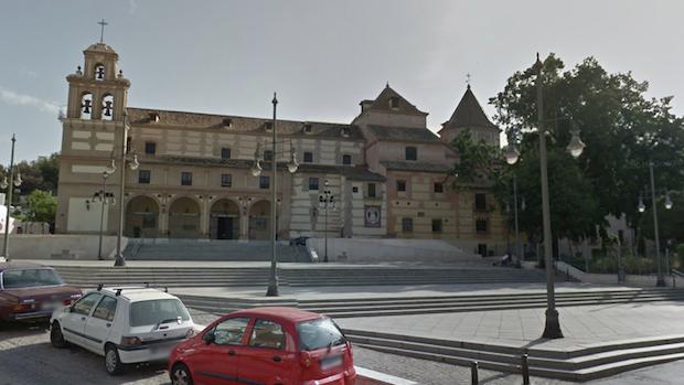 Templo de la Victoria en el corazón del barrio en Málaga
