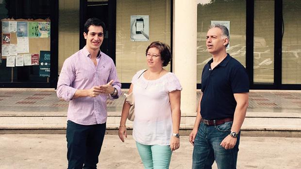 Luis Paniagua, Carmen Espada -la actual portavoz del grupo- y Luis Gómez, concejales del PP nazareno
