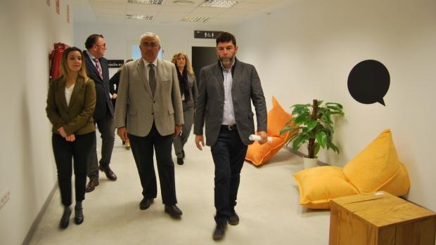 El consejero de Economía y la alcaldesa de Alcalá han visitado las instalaciones para emprendores de Alcalá de Guadaíra