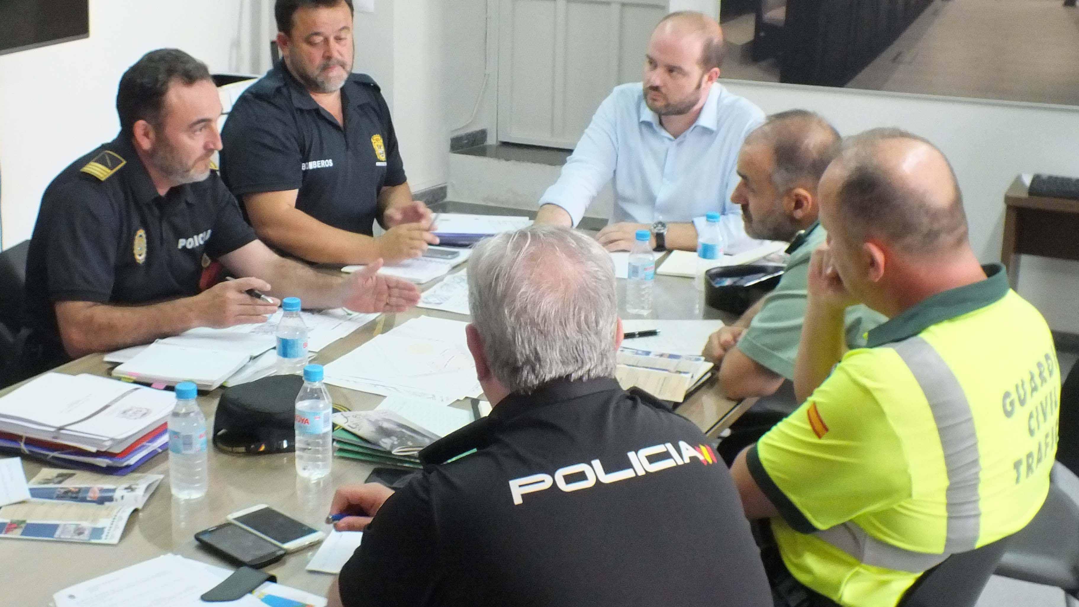 Una de las reuniones de seguridad del Ayuntamiento de Utrera