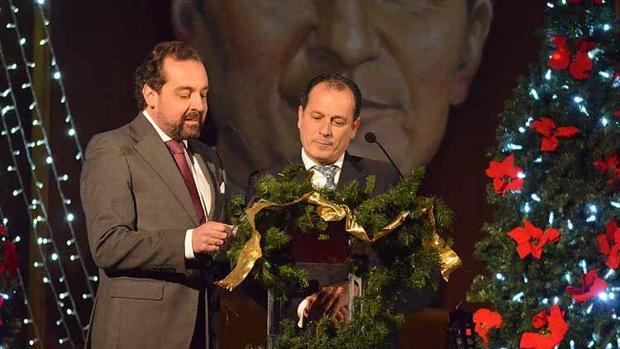 Enrique Casellas y David Gutiérrez inauguraron la Navidad en Utrera
